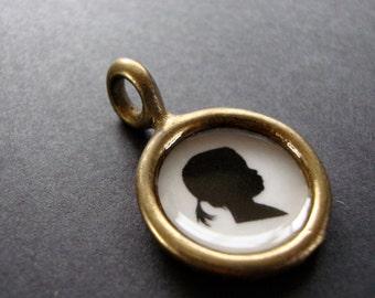 custom silhouette portrait necklace. personalized cameo pendant . small size . profile jewelry