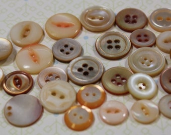 Peach Dyed Mother of Pearl Buttons 30 Dyed Orange  Peach Shrimp Color MOP Buttons