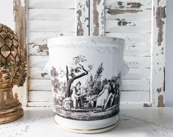 French Planter Jardinière Lion's Head White and Black Cache-pot  Loving Couple