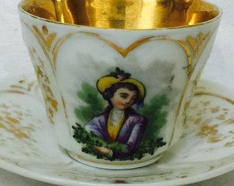 Antike alte Paris Gold von Hand bemalte Porzellan große Kaffee Teetasse und Untertasse mit junge Kunst selten und besonders aus den 1800er Jahren