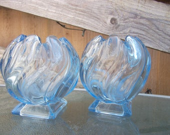 Art Deco 1930's pair of very pretty Bagley Equinox Vases in Blue