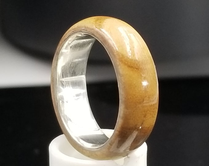 Olivewood Ring with engravable argentium core