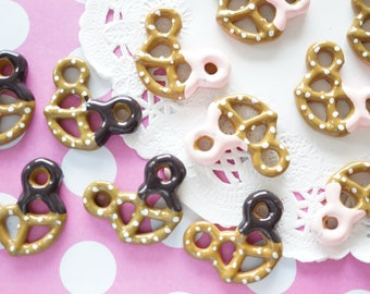 6 pcs Kawaii Pretzel Cookie Cabochon (21mm29mm) CD461