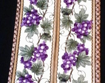 Grape Table Runner