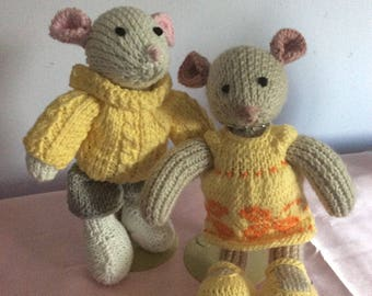 Hand Knit Mice Set, Ready to ship NOW!!