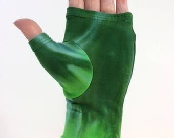 Green tie dye fingerless gloves / wrist warmers in bamboo blend.