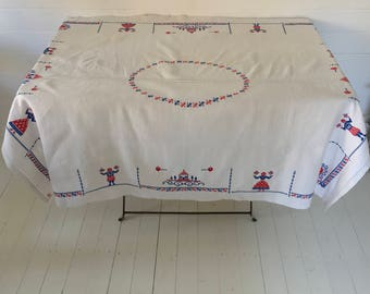 ES007 Embroidered Tablecloth Linen