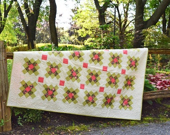 Modern Granny Square Quilt / throw quilt / lap quilt
