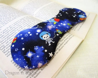 Space Pandas Book Weight - Kawaii Page Holder, astronaut animals in outer space, penguin and alien, black and blue reading accessory