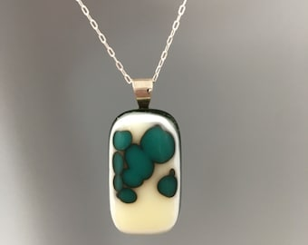 Green Spotted Glass Necklace