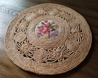 Large Vintage Raffia and Needlepoint Round Table Mat / Straw and Needle Worked Doily Wall Hanging / Boho Table Linen or Wall Decor