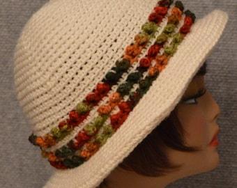 Womans Popcorn Stitch Brim Hat in White