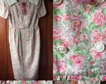 Pinkflower dress with white collar