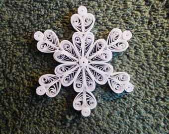 """Mini Quilled Snowflake """"Queen of Hearts"""" Ornament"""