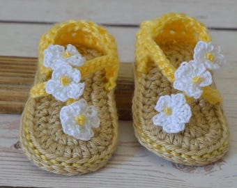 Crochet baby shoes, baby sandals, girl shoes, yellow shoes, yellow sandals, baby booties, crochet shoes, crochet yellow shoes