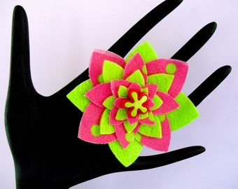 Pink  (Funky Felt Flowers Cocktail Ring)