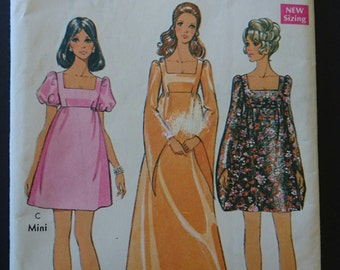 "Oh Romeo! Bust 34""- Baby doll dress pattern- 1960s- mad men style- princess or puff sleeves square neckline think lawn or chiffon"