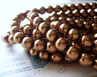Gold Pearl Beads 8mm Round Druk Smooth Czech Glass  20 Beads