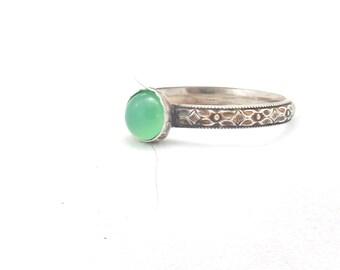 Floral Band Ring with choice of Gemstone, Gemstone Ring, Chrysoprase ring, amber ring, ruby ring, lapis ring, onyx ring, vintage ring