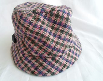 Pink check tweed hat