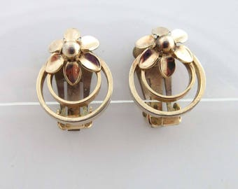 Coro Earrings Gold Clip On Backs Circles Flower Floral 9032