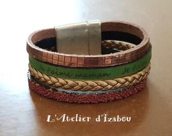 """Bracelet Fête des mères large multirangs cuir vert gravé """"je t'aime maman"""" et cuirs marron-beige"""