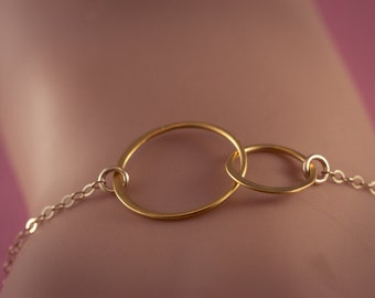 Two SISTERS  Circles Bracelet,  Interlocking Circles,   24 Gold plated ,   Two sisters  ETERNITY, gift for sisters, Frendship Gift