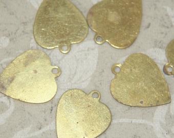 ON SALE 20 vintage brass hearts