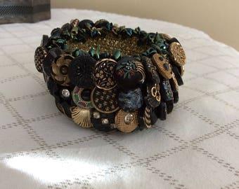 Vintage Button Crocheted Bracelet