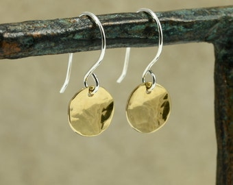 Small Hammered NuGold Disc Earrings, Drop Earrings, NuGold Earrings, Hammered NuGold Earrings, Hammered Earrings, Gold Tone Earrings