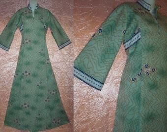 Boho Maxi Dress 70's Vintage Floor Length Gorgeous Green Tan Blue Hippie Bohemian Native American Style Motif Hippy Costume S/Small-M/Medium