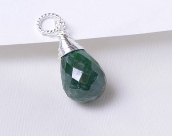 Natural Emerald Briolette Pendant, Wire Wrapped Drop Birthstone  Gemstone wire wrapped teardrop