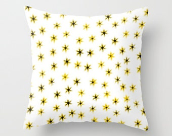 Daisy Art - Throw Pillow Cover Includes Pillow Insert - Daisy Flowers Pillow - Flower Pillow - Sofa Pillow - Made to Order
