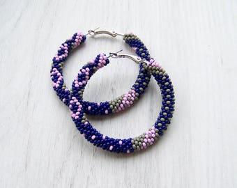 Beaded hoop earrings in navy blue, grey and pink - Beadwork earrings - seed beads earrings - Geometric pattern earrings - Big hoop earrings