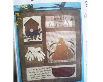 McCall's Craft Pattern 5126 - Quilt or Wall Hanging - Cheryl Haynes Design - Uncut