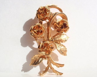 Coro Brooch, 1950's to early 1960's Gold tone Roses and leaves