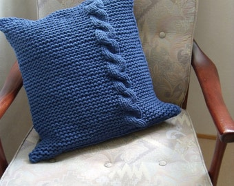 Dark blue pillow cover in garter stitch and with cable (50 cm/50 cm)