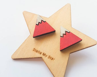 Twin mountains stud earrings in red and white
