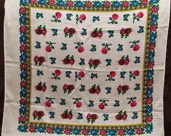 Vintage white shawl. Japan shawl. Hustka chale russe foulard, scialle fiori, ukrainian scarf. Colorful russian floral shawl. Ethnic Babushka
