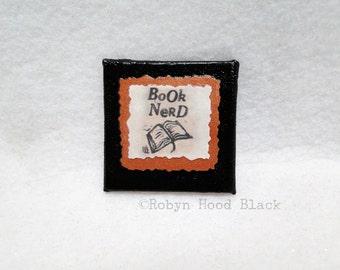 Book Nerd magnet 2 X 2