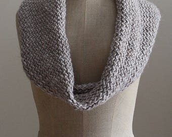 Scarf-neckwarmer in hand-woven wool mix