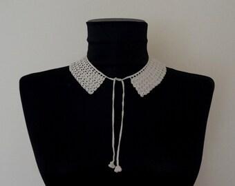 Vintage cotton crochet geometric collar, Romanian macrame necklace, elegant Peter Pan collar,  detachable greige lace collar
