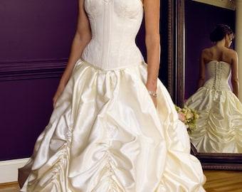 Meschantes Ready to Wear Bridal Contessa Overbust Corset Your Size