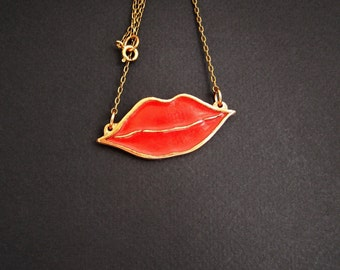 Red lips necklace, Red lipstick pendant, Lips art, Kiss gift for her, Glass enamel jewelry, Red lip gloss charm, Minimalist jewelry, XOXO