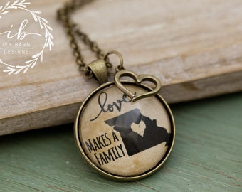 Missouri, Love Makes a Family Necklace