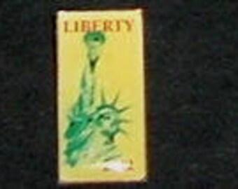 LIBERTY Pin back 2002