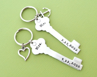 wedding gift key chain, COUPLE key chain, mr. mrs.,hand stamping jewelry, His and Hers, Husband and Wife, anniversary gift