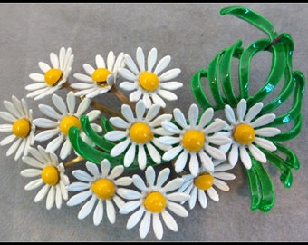 Vintage Daisy Flower Brooch