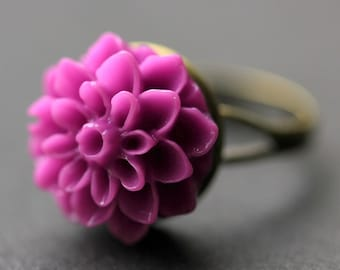 Dark Lilac Mum Flower Ring. Dark Lilac Chrysanthemum Ring. Lilac Purple Flower Ring. Adjustable Ring. Handmade Flower Jewelry.