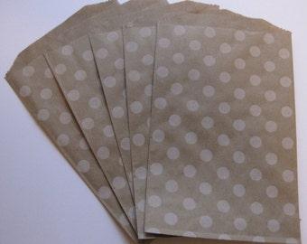 "Set of 20 Soft White Polka Dot Kraft Middy Bitty Bags (5"" x 7.5"")"